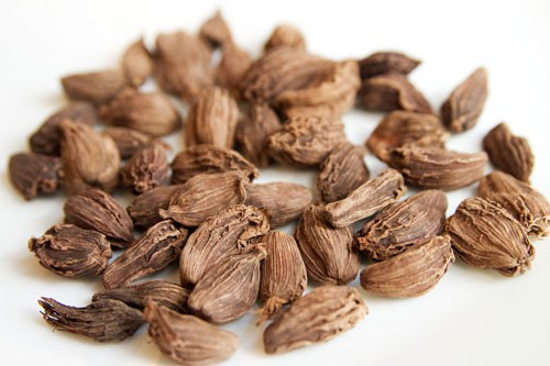 Cardamom-Spices-Suppliers-in-Chennai